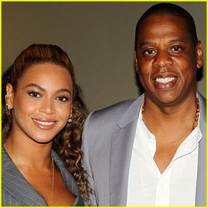 Jay Z Pushes Fan Off Beyonce After 'Hands of Stone' Premiere Appearance - Watch Video