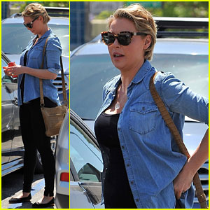 Katherine Heigl Jokes About Filming Love Scenes While Pregnant