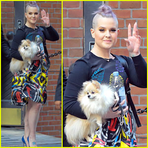 Kelly Osbourne Shares Throwback Pic with Kate Moss!