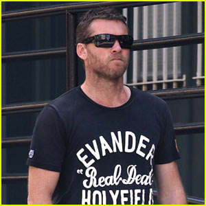Sam Worthington Steps Out for a Walk Around NYC