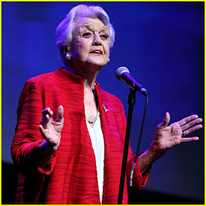 Angela Lansbury Sings 'Beauty & The Beast' Live 25 Years Later (Video)