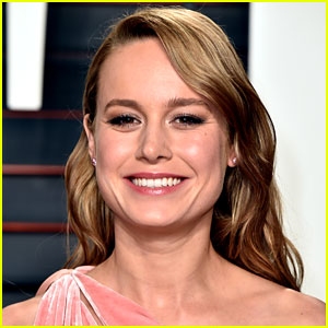 Brie Larson Apologizes for Dolphin Photo on Instagram