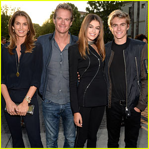 Kaia Gerber Gets Family Support at 'Sister Cities' Premiere!