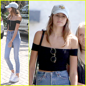 Kaia Gerber Hangs With Friends After 'Sister Cities' Movie Premiere
