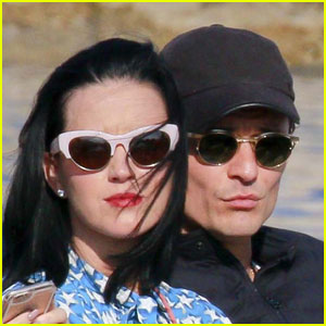 Katy Perry Reveals One Downfall to Dating Orlando Bloom!