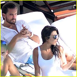 Kourtney Kardashian & Scott Disick Lounge Poolside Together