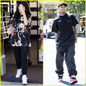 Kylie Jenner & Tyga Have a Casual Pizza Date at the Mall