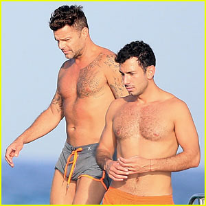 Ricky Martin & Boyfriend Jwan Yosef Vacation on a Boat in Ibiza!