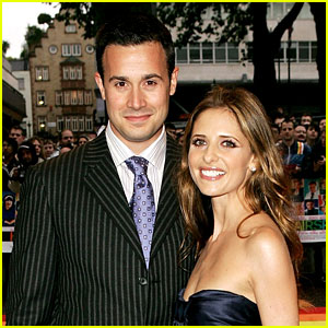 Sarah Michelle Gellar Writes Cute Anniversary Message for Freddie Prinze Jr.!