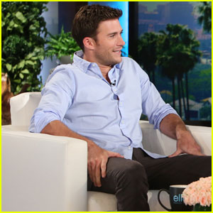 Scott Eastwood Confirms He's Single on 'The Ellen Show'