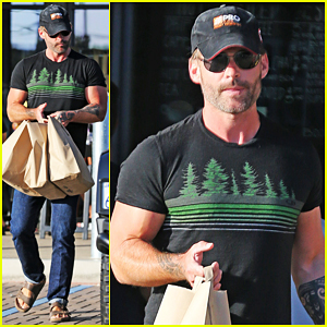 Seann William Scott Teams Up with Amy Poehler for 'The Baby' NBC Pilot!