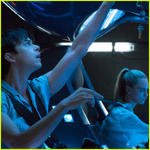 Dane DeHaan & Cara Delevingne Star in New 'Valerian & the City of a Thousand Planets' Stills!