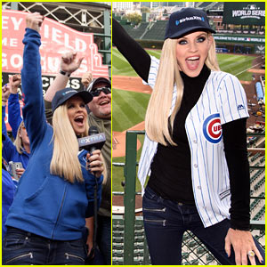 Jenny McCarthy Hosts  Radio Show From Wrigley Field  Before Game 3 of World Series
