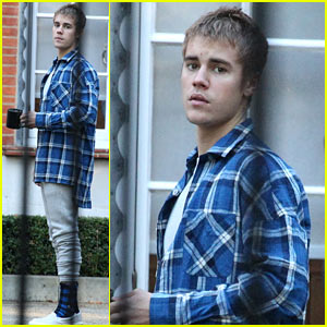 Justin Bieber Crashed a Soccer Practice at a London School!