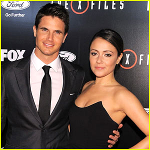 Robbie Amell & Italia Ricci Are Married!