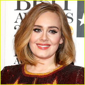 Adele Is Completely Unrecognizable as The Mask for Halloween