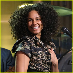 Alicia Keys Says Original 'Snow White' is 'Totally Sexist' & Misogynistic'