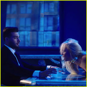 Britney Spears Grabs Dinner With Hot 'Slumber Party' Love Interest Sam Asghari!