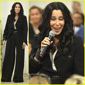 Cher Campaigns For Hillary Clinton In Miami, Says She Will 'Leave the Planet' If Donald Trump Wins