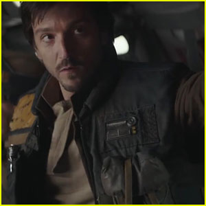 Diego Luna & Felicity Jones Star in New 'Rogue One' TV Spot!