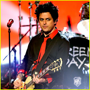 VIDEO: Green Day Makes Political Statement During AMAs 2016 Performance
