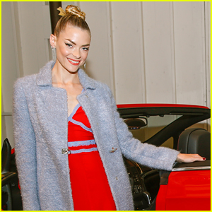 Jaime King Isn't Too Fond Of Christmas In New Hallmark Movie 'The Mistletoe Promise'!