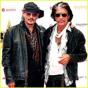 Johnny Depp Steps Out After J.K. Rowling Defends 'Fantastic Beasts' Casting