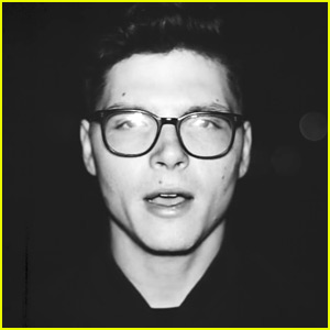 Kevin Garrett Drops 'Precious' Video, Announces Winter Tour!
