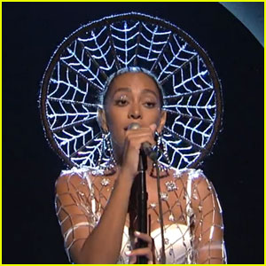 Solange Performs 'Dont Touch My Hair' & 'Cranes in the Sky' on 'Saturday Night Live' - Watch Now!