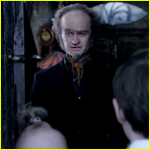 VIDEO: Neil Patrick Harris Goes After the Baudelaire Fortune in New 'Series of Unfortunate Events' Trailer!