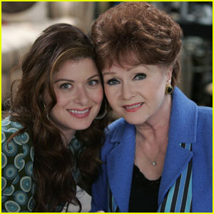 VIDEO: Debra Messing Shares Debbie Reynolds 'Will & Grace' Clips