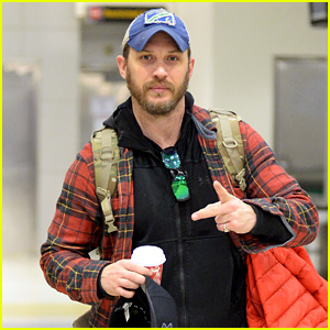Tom Hardy Touches Down in NYC in Rare New Candid Photos!