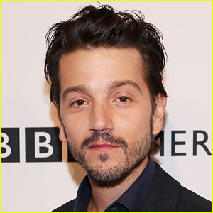 Diego Luna Attached to 'Scarface' Reboot as Director Antoine Fuqua Departs Film