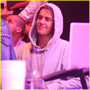 Justin Bieber Parties with Famous Friends in Miami