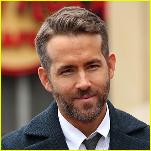 Ryan Reynolds is the Hasty Pudding 2017 Man of the Year!