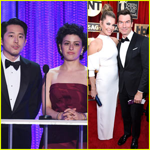 Steven Yeun & Alia Shawkat Present Together at SAG Awards 2017
