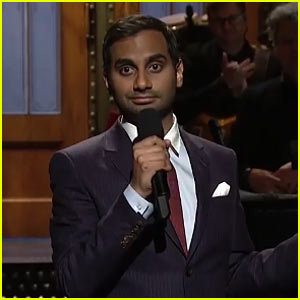 Aziz Ansari Mocks Donald Trump in 'SNL' Monologue