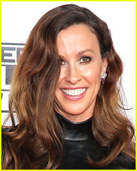 Alanis Morissette Was Robbed of Millions in Jewelry