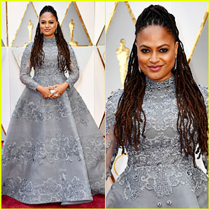 Director Ava DuVernay Stuns on Oscars 2017 Red Carpet