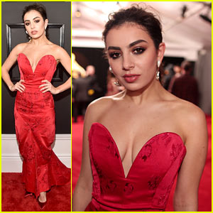 Charli XCX Compares Her Grammys 2017 Red Carpet Look to an Emoji