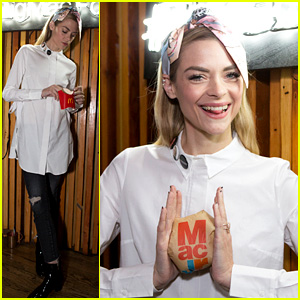 Jaime King Says 'It's About Time' for the Mac Jr.
