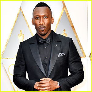 New Dad Mahershala Ali Looks So Suave at Oscars 2017!