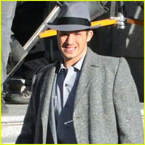 Matt Lanter Gets Into Character on the Set of 'Timeless'