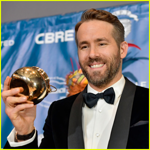 Ryan Reynolds Gets Honored by Hasty Pudding Theatricals
