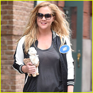Amy Schumer is All Smiles Hanging Out in NYC