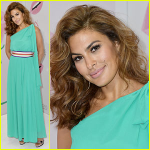 Eva Mendes Makes First Public Appearance in Six Months, Looks Stunning!