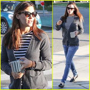 Jennifer Garner Steps Out Before Ex Ben Affleck Reveals Rehab Stint
