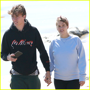 Lucky Blue Smith \u0026 Pregnant Girlfriend Stormi Bree Enjoy Romantic Day at  the Beach