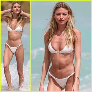 Martha Hunt Wears Her Bikini on the Beach in Miami!