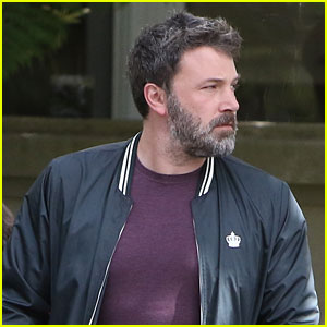 Ben Affleck Steps Out With Daughter Violet After Filing for Divorce From Jennifer Garner